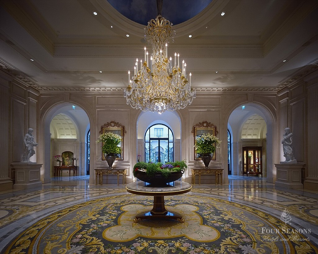 Four Seasons Hotel George V в Париж